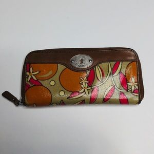 Fossil Key-Per Zip Around Wallet